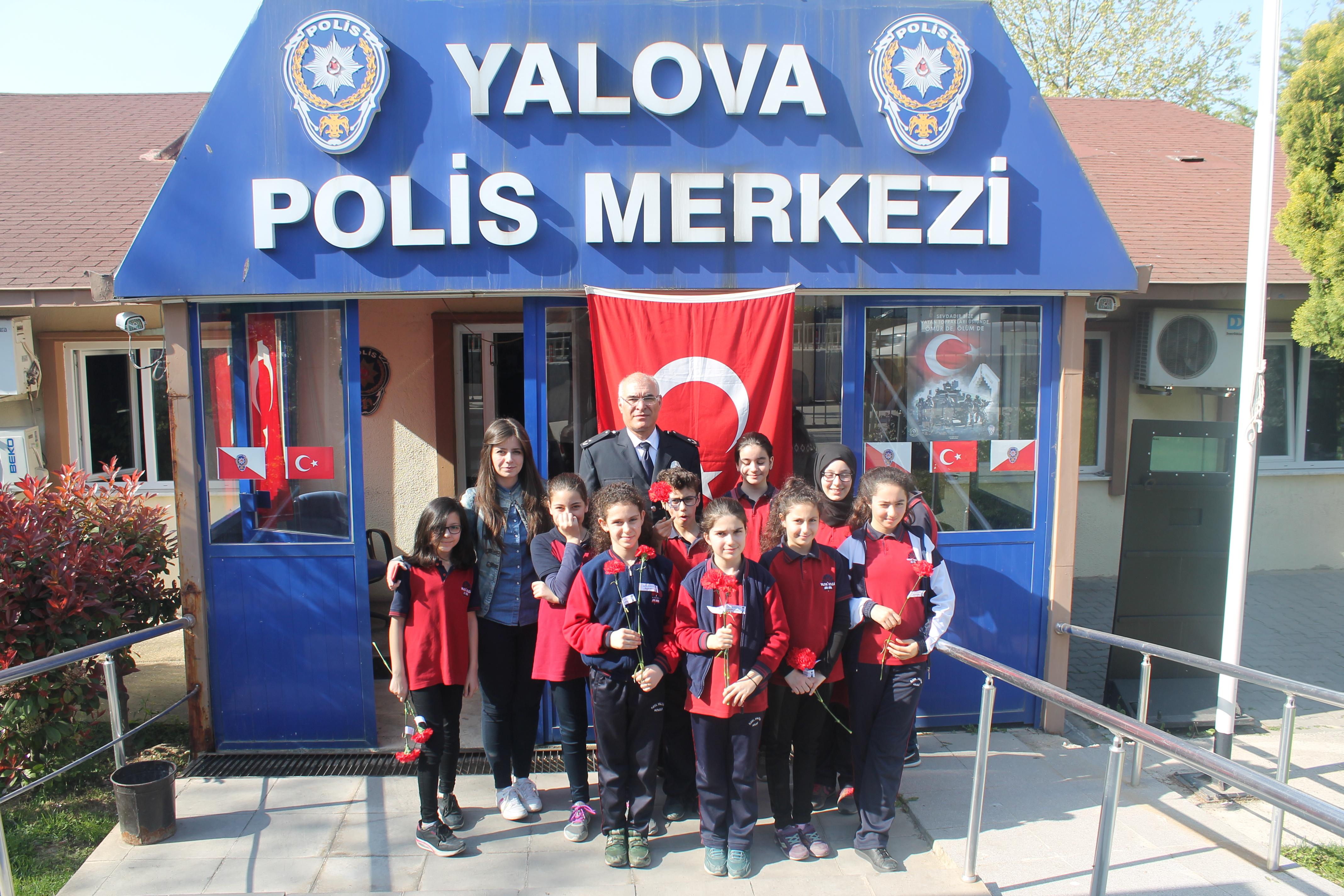 Öğrencilerimiz Türk Polis Teşkilatımızın Polis Bayramı'nı kutladı.